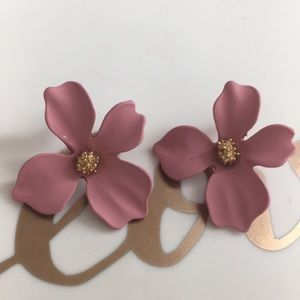 Jewelry - 🌸Pink Flower Stud Earrings 🌸